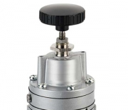 Precision pressure regulator