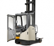 Reach Truck with Cold Store Cabin ESR 5200 Series